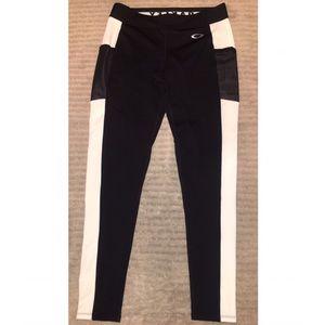 NWOT Oakley leggings
